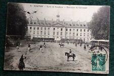 CPA. SAUMUR. 49 - École de Cavalerie. Exercices du Carrousel. 1910. Chevaux.