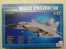 O8M-M320 MiG31 Foxhound 1:72 Neu und eingetütet