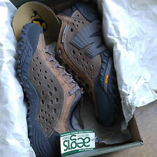 New In Orig Box w/Tags Moth Brown Merrell Intercept Hiking Shoes Men's US Size 8