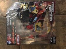 Hasbro Transformers Generations - Fall of Cybertron - Voyager, Blaster with Ste…