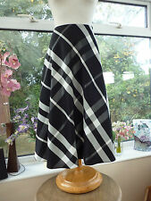 GORGEOUS *LAURA ASHLEY* BLACK, GREY, WHITE & SILVER TAFFETA TARTAN SKIRT Sz 10