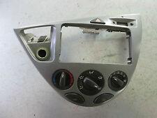 Ford Focus Mittelkonsole + Heizungsbedienteil / Bj.´99 / 98AB-I8C4-19