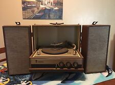 Vintage 1960's Motorola Portable Record Player Turntable Speakers A119017