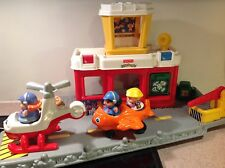 Little People Fisher Price 2001 AIRPORT+ HELICOPTER+PLANE+3 PEOPLE