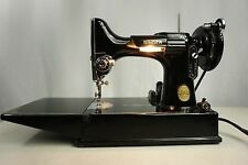 1948 SiNGER 221 FEATHERWEiGHT SEWiNG MACHiNE w/CASE New Jersey, USA AJ Serial