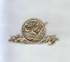 RARE PINS PIN'S 3D .. SPORT SKI SKIING STATION OR DORE ~6C