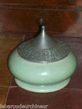 tres jolie céramique pot orientaliste en céladon