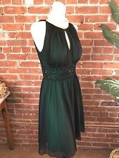 La NOUVELLE RENAISSANCE HUNTER GREEN SLEEVELESS BEADED WAIST DRESS SIZE 4