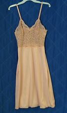 VINTAGE VASSARETTE  Stretch Lace Top Slip/Gown, Size 38, Made In USA, Nice!