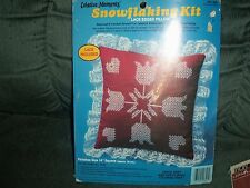 """VTG Paragon SNOWFLAKING Kit 14"""" Square Pillow Kit Lace Edged TULIPS AND HEARTS"""