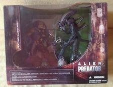 Mcfarlane movie maniacs series 5 Alien vs predator box set