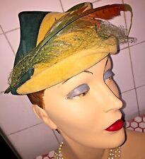 Vintage 1940s 40s Winkleman's 2-Tone Green and Tan Plumed Wool Robin Hood Hat