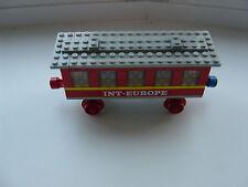 VINTAGE LEGO SET 123 TRAIN PASSENGER COACH INT. EUROPE MAGNETIC COUPLING