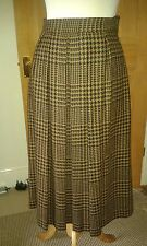 Genuine Burberrys Vintage Black/Tan Pure Wool Skirt Size 10  Never Been Worn!