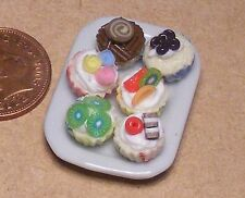 1:12 Assorted Cakes (6) On A Ceramic Plate Dolls House Miniature Accessory PL39