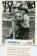 ALLISON SMITH WITH SANDY THE DOG FROM ANNIE MUSICAL ALL ABOUT DOGS NBC TV PHOTO