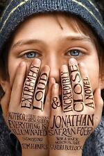 Extremely Loud and Incredibly Close by Jonathan Safran Foer (2011, Paperback, Mo