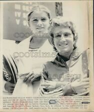 1975 Tennis Legend Chris Evert With Sister Jeanne 1970s Press Photo