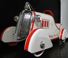 Fire Engine Pedal Car Truck Rare Vintage Classic Midget Metal Model Red & White