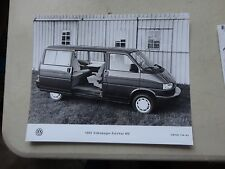 "8x10"" 1993 Press Photo of the Volkswagen EuroVan  MV  VW/US 704-93"