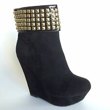 Dollhouse Women's Platform Wedge Black / Gold Zip Up Booties Size 9 SWAGGER