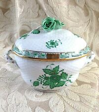 SIGNED HEREND GREEN CHINESE BOUQUET BOX / COVERED BOWL 2 HANDLES