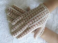 VINTAGE HAND KNIT/CROCHET LACE GLOVES IN IVORY ONE SIZE