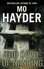 The Devil of Nanking, Mo Hayder