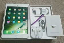 *PRISTINE**Apple iPad mini 2 16GB, Wi-Fi, 7.9in - White/Silver.In Box & Bundle.