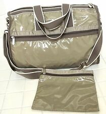 LE SPORTSAC Taupe Patent Medium Weekender w Pouch, Fabulous Condition!