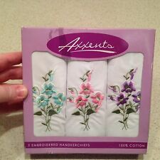 NEW IN THE BOX VINTAGE SET OF 3 EMBROIDERED FLOWER HANDKERCHIEFS AXXENTS