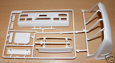 Tamiya 56305 Mercedes-Benz 1838LS, 9115064/19115064 L Parts (Bumper/Roof), NEW