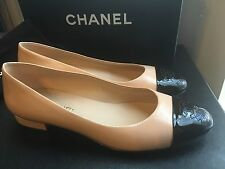 Authentic NIB New Chanel Classic Two Tone Black Beige Flats Pumps Sz 40 10 9.5