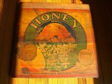 HONEY Bee, Ivanhoe TULARE Co. Calf., Orange Crate Label on Original Crate c.1930