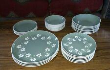 NICE 30 Pc Set of 1960s Harker Pottery Harkerware IVY WREATH (Green) Dinnerware