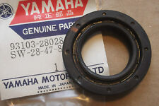 Yamaha P95 P 95 1960s motor fuera de borda Genuino nos inferior Manivela Sello - # 93103-28028