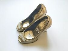 MARC JACOBS GOLD PATENT LEATHER   HEELS OPEN TOE Size 38 US 7