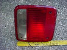 GM 85 to 96 GMC CHEVROLET VAN left TAILLIGHT ASSEMBLY GUIDE IZ CHEVY G SERIES