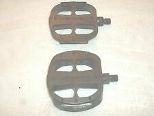 "1/2"" MONGOOSE PLATFORM PEDALS FOR BMX, MTB OR CRUISERS"