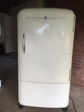 Vintage Refrigerator GE Mid-Century Retro Frig RUNS VERY WELL General Electric