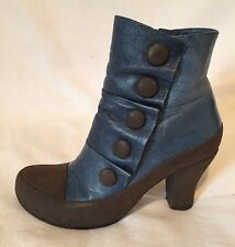 MIZ MOOZ Adrien Leather Ankle Boots Women's 7 Blue Edgy Heel Button Accent