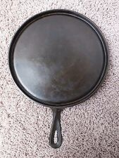 Martin Stove And Range #10 Unmarked Cast Iron Round Griddle - Embossed Handle