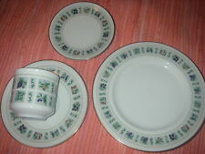 ROYAL DOULTON ENGLISH CHINA 4 PIECE LUNCHEON SET TAPESTRY DESIGN RD CANADA 1966
