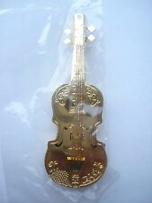 99p SALE RARE VINTAGE VIOLA CELLO MUSICAL BAND GOLD METAL PIN BADGE BROOCH