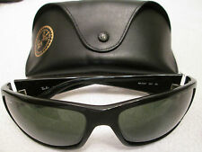 Ray BAN Black Frame Wrap Occhiali da sole. con Custodia. RB 4057