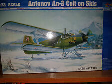 Antonov An-2 Colt on Skis - Trumpeter Kit 1:72 - TR 01607 Nuovo