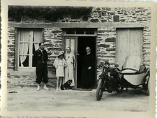 PHOTO ANCIENNE - VINTAGE SNAPSHOT - SIDE CAR MOTO MOTOCYCLETTE MAISON -MOTORBIKE