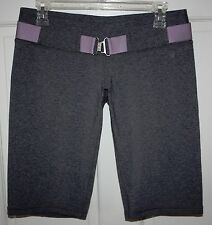 Rare Womens Lululemon Belt It Out Gray Athletic Crop Capri Pants Size 6