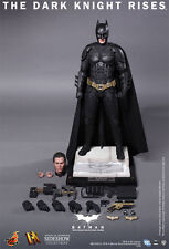 Hot Toys DX12 The DARK KNIGHT. SEALED