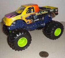 BLACK STALLION  HOT WHEELS MONSTER JAM  TRUCK 1:24